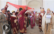 Salomnoma is a beautiful folk song of greetings, the part of the traditional wedding ceremony in Bukhara